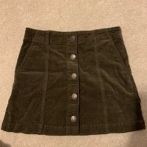 Army green button up skirt sz S